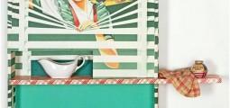 Formiddag den vidunderlige lampen består av en boks som er kledd med reklameplakaten for en persiennefabrikk fra1960-tallet. Plakaten viser en ung blond kvinne stående i vinduet der hun holder persiennespilene fra hverandre med lange slanke armer. Gundersen har skåret ut det opprinnelige ansiktet fra plakaten. I bunnen av esken har han montert inn et ansikt av en ung pike hentet fra en sort/hvit reproduksjon av et gammelt maleri, som titter ut gjennom åp-ningen. På en hylle i boksen har han satt et hvitt sausenebb som i formen minner om Aladdins vidunderlige lampe, en krukke sølvpussemiddel og et kjøkkenhåndkle.