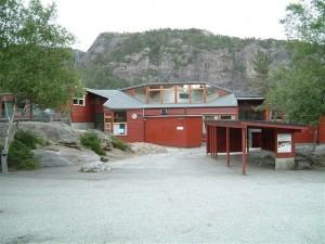 Loddefjord skule frå 1974. Foto: Lena S. Kirkebø
