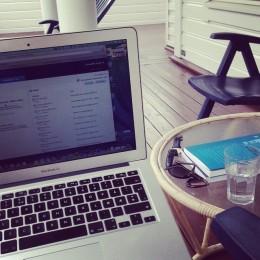 Christoffer Hovdes laptop, klart il å starte masterarbeidet