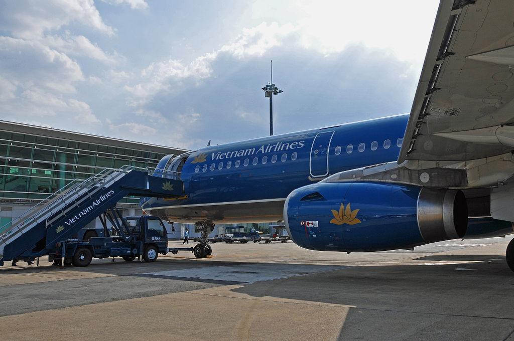 Vietnam Airlines håndterte et tilfelle av forsinkelse med løfter om å straffe ansatte som hadde mottatt klage. Kommunikasjonen kan relateres til  en nasjonakultur preget av høy maktdistanse og maskulinitet. Foto: Dennis Jarvis / Wikimedia Commons