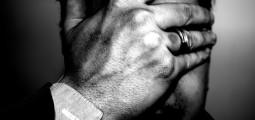 Tradisjonelle forestillinger om kjønn gjør at terskelen for å søke hjelp på krisesentre er høyere for menn. FOTO: bruckerrlb / FLICKR Creative Commons