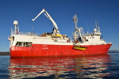 Sigma - båten vi seilte opp østkysten av Spitsbergen.