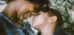 Foto av mor og barn